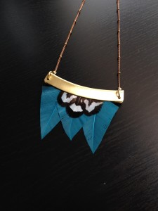 collier-graphique-plumes-orixa