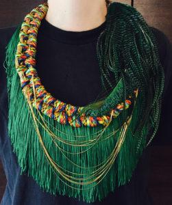 Orixa bijoux - Collier Oko - Collier afropunk jungle, collier plumes paon pour défilé gypsy fashion mode